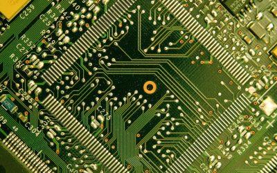 Manualul electronic, între realitate și utopie